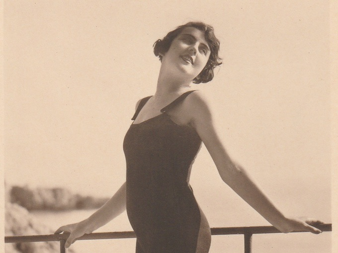 1930s French Bathing Beauty Pin-Up — Photo Postcard (1 of 2)